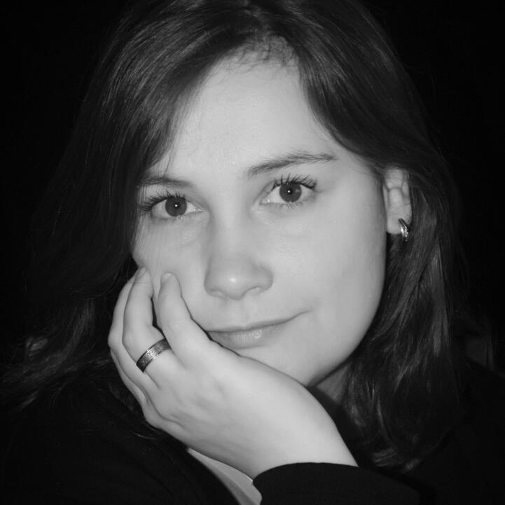 Portrait de Sarah Delhumeau, social media manager